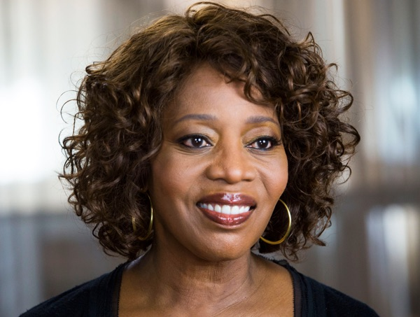 Alfre Woodard, another mom face.