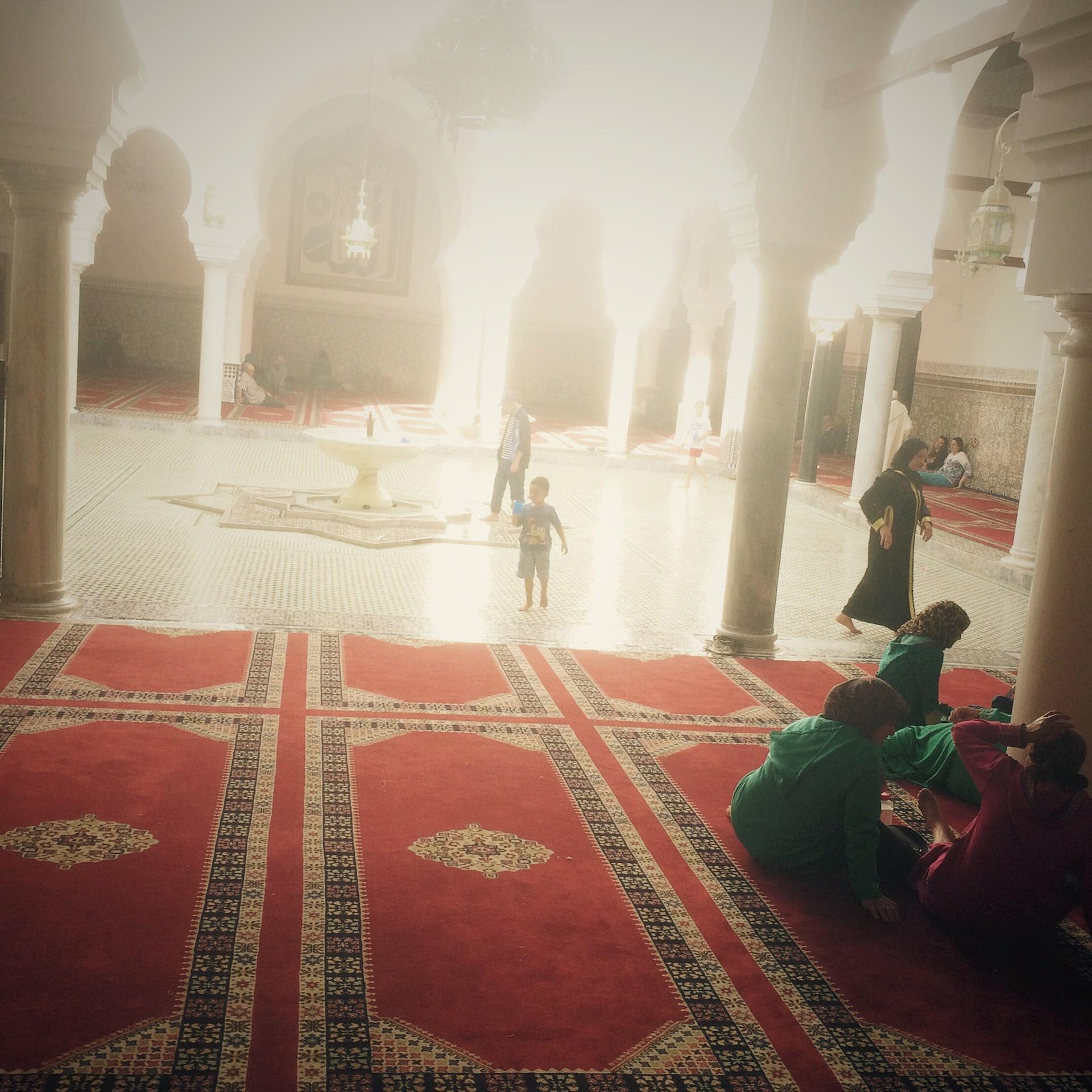 mosque_courtyard